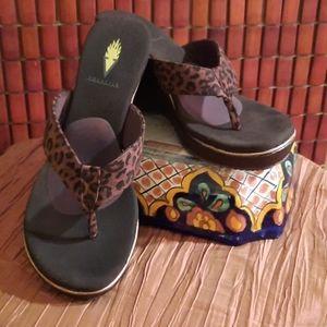 Volatile Leopard Print Sandals Size 8